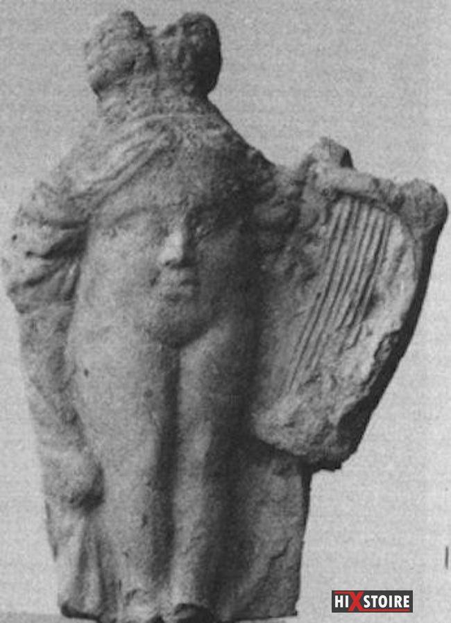 figurine-bobo-visage-vagin-vulve-statuette-erotique